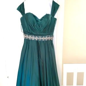JOVANI PROM / WEDDING GUEST DRESS